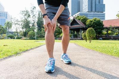 runner feeling knee pain